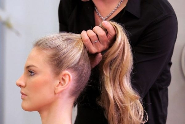 Try-out-the-High-pony-Hairstyle