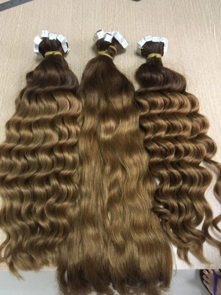 Wavy Tape in Hair Extensions 1